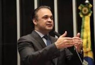 Emendas do deputado Roberto de Lucena resgatam a decência no trabalho intermitente