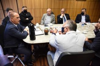 Representantes das centrais sindicais se reúnem com Ministro do Trabalho, Onyx Lorenzon